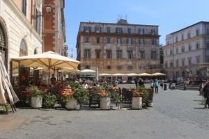 Santa Maria in Trastevere cafes